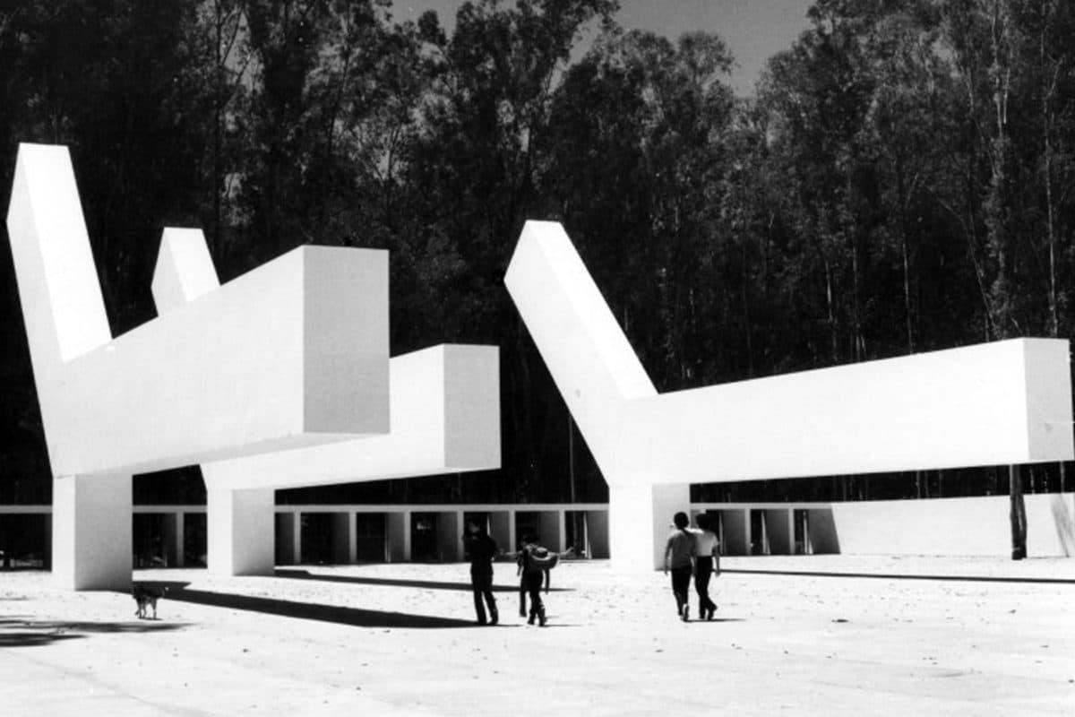 Asesoria al mantenimiento de las esculturas de González Gortázar